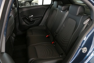 Mercedes-Benz A 180d Style Plus 116Cv  (Câmara/LED's) (1.900 KMS)