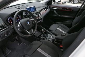 BMW X2 Design Auto (LED's/GPS/Câmara) (300 KMS)