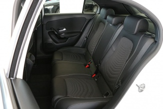 Mercedes-Benz A 180d Style Plus 116Cv  (Câmara/LED's) (100 KMS)