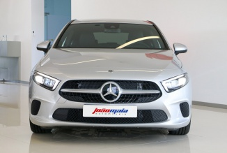 Mercedes-Benz A 180d Progressive (LED/Câmara) (2.800 KMS)