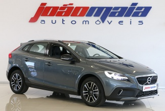 Volvo V40 Cross Country Plus D3 150 Cv (GPS/LEDs) (19.000 KMS)