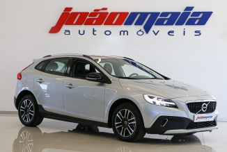 Volvo V40 Cross Country Plus D3 150 Cv (LEDs) (21.000 KMS)