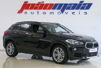 BMW X2 sDrive 18i 140Cv Advantage Plus Auto (LEDs / GPS / Câmara) (12.000 Kms)